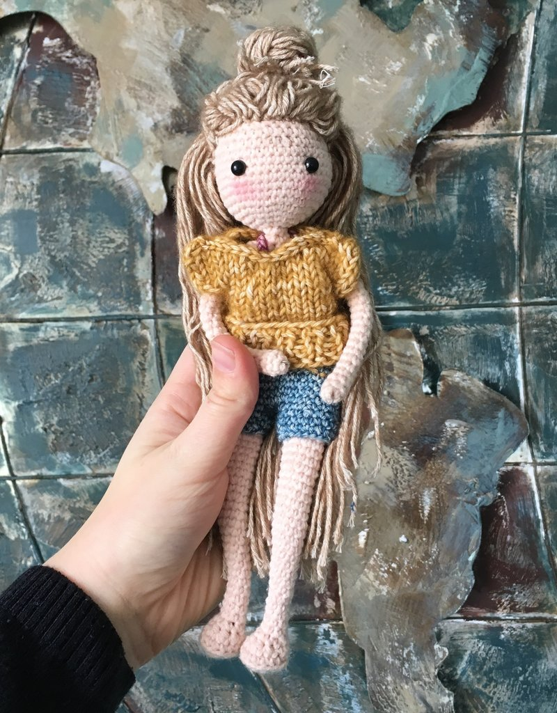 Amilishly Designs Haakpatroon AMILISHLY Amigurumi - Popje Elsa