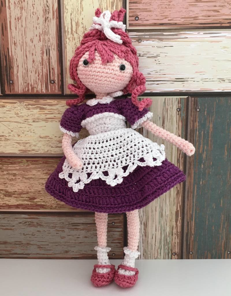 Amilishly Designs Haakpatroon AMILISHLY Amigurumi - Verpleegkundige Fay