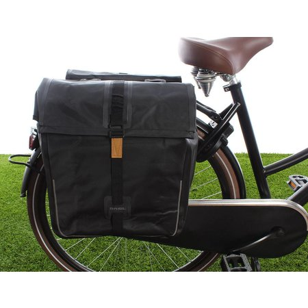 Basil Dubbele fietstas Urban Dry Double bag 50L Solid black