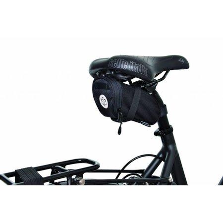 AGU Zadeltas Performance Essentials DWR 0,7L Medium - straps - waterafstotend
