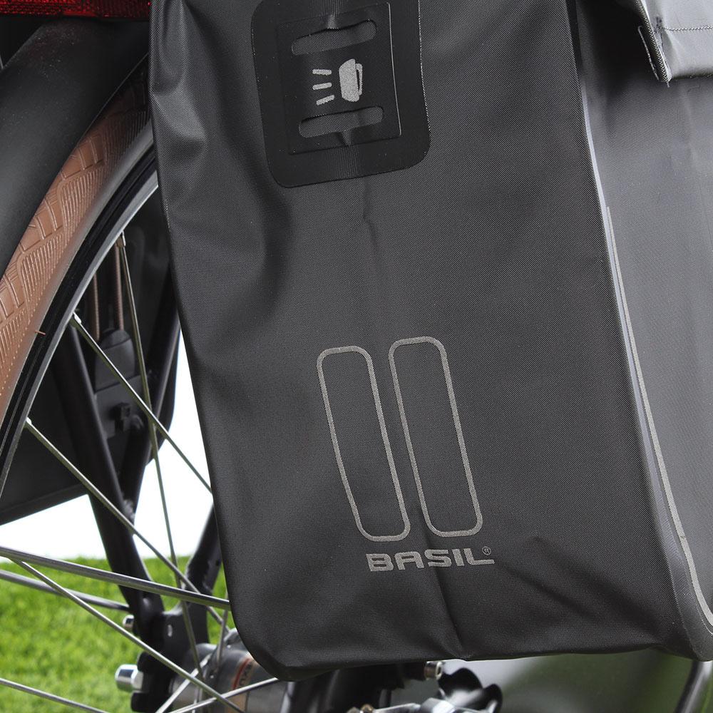 066c9599afd Basil Dubbele fietstas Urban Dry Double Bag MIK 50L Zwart - Fietstas.com