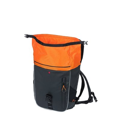Basil Fietsrugzak Miles Tarpaulin Daypack Nordlicht 17L Zwart/oranje