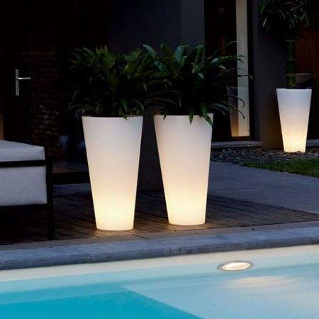 Elho Elho Pure Straight High Led Light - diam 50cm H103cm. Unieke verlichte bloempot voor zowel binnen als buiten! -