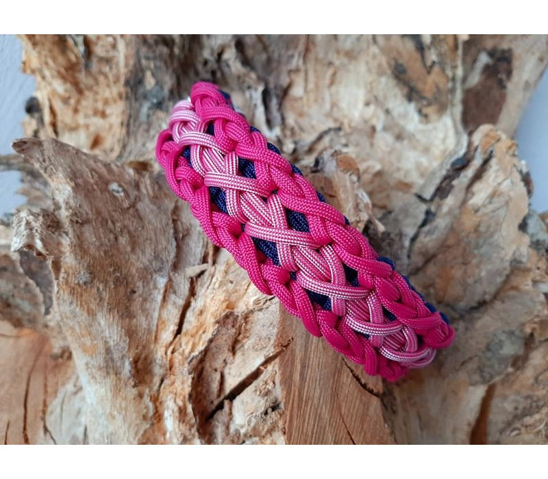 Paracord -Halsband Triple X