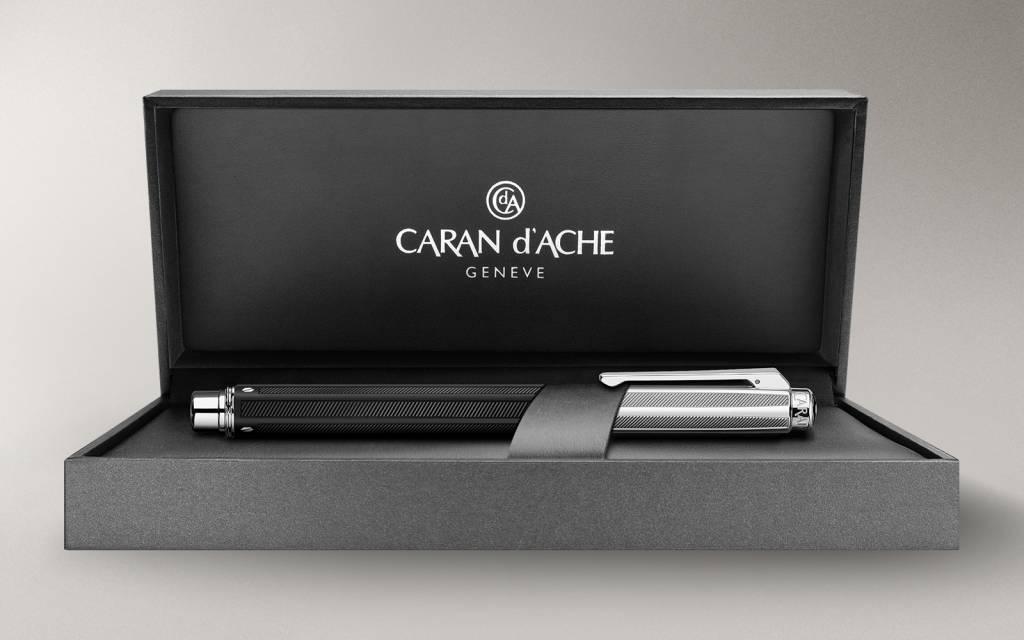 Caran d'Ache Varius Rubracer Kugelschreiber, silber