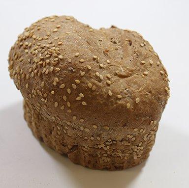 Verwenbroodje donker Meergranen 130 gram 90% gebakken