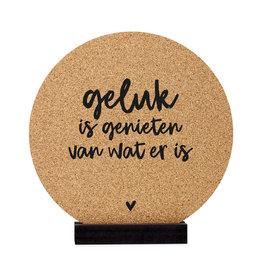 Zoedt Poster kurk | Muurcirkel met tekst 'Geluk is genieten van wat er is'