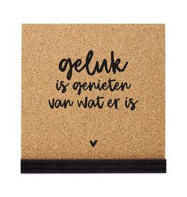 Zoedt Poster kurk vierkant met tekst 'Geluk is genieten van wat er is'