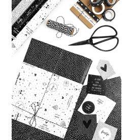 Zoedt Cadeaupapier wit met zwarte tekstjes - verjaardag