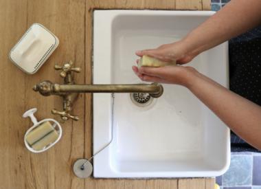 http://www.werfzeep.blog/onze-zepen-nl/natuurlijke-zeep-tegen-droge-handen/