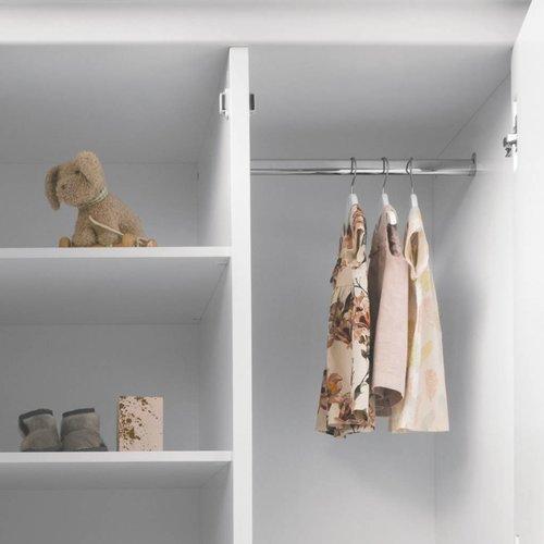 Sanders NORA Kleiderschrank 3-türig in weiß mit Verzierungen