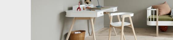 Schreibtisch + Sitzmöbel