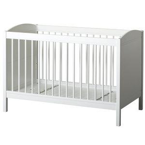 Oliver Furniture Seaside Lille+ Basic Baby- und Kinderbett  weiß