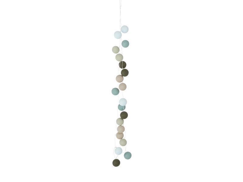 LIFETIME Fairy lights with cotton balls Fresh