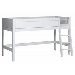 LIFETIME Halbhohes Bett schräge Leiter weiß