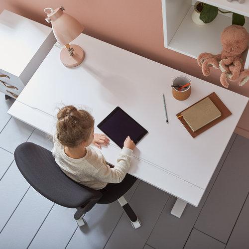 Lifetime Schreibtisch und Stuhl