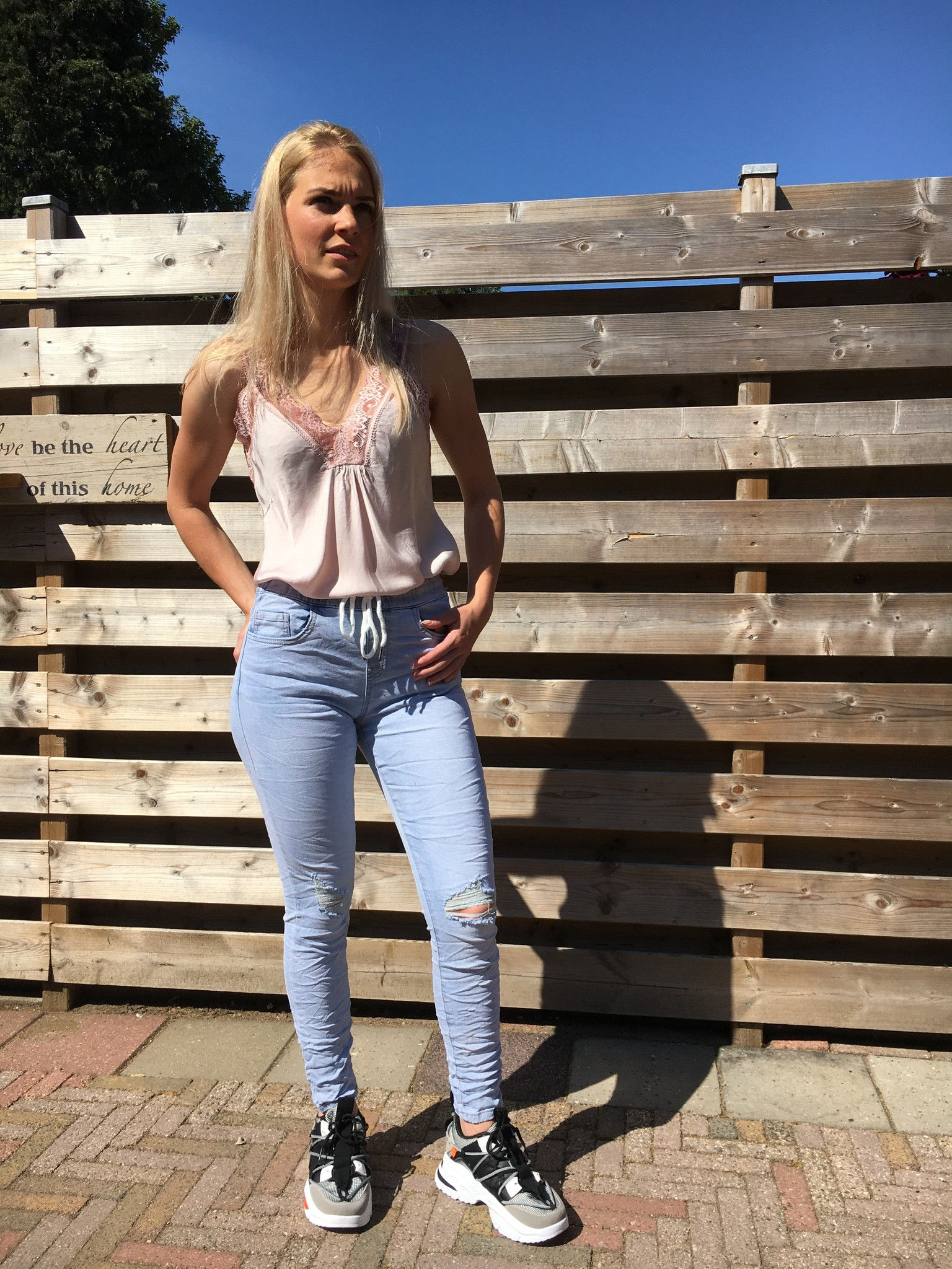 SLIP TOP MET KANT DETAIL