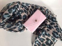 Sjaal tijger roze