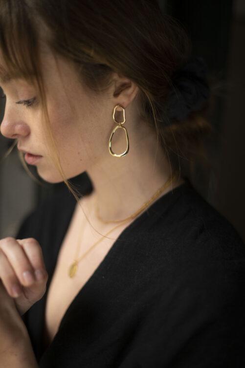 Ellen Beekmans  Long open organic earstuds