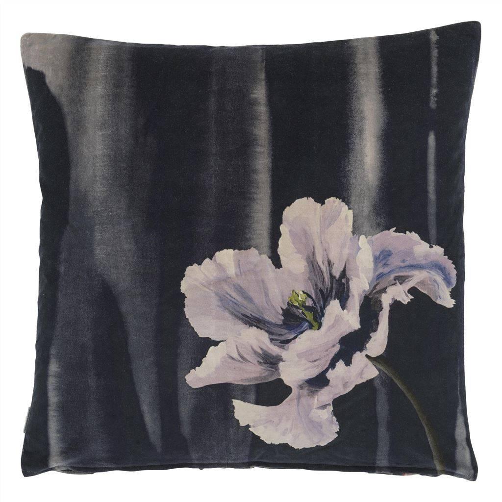 Designers Guild Kissen Delfth Flower Noir 60x60cm