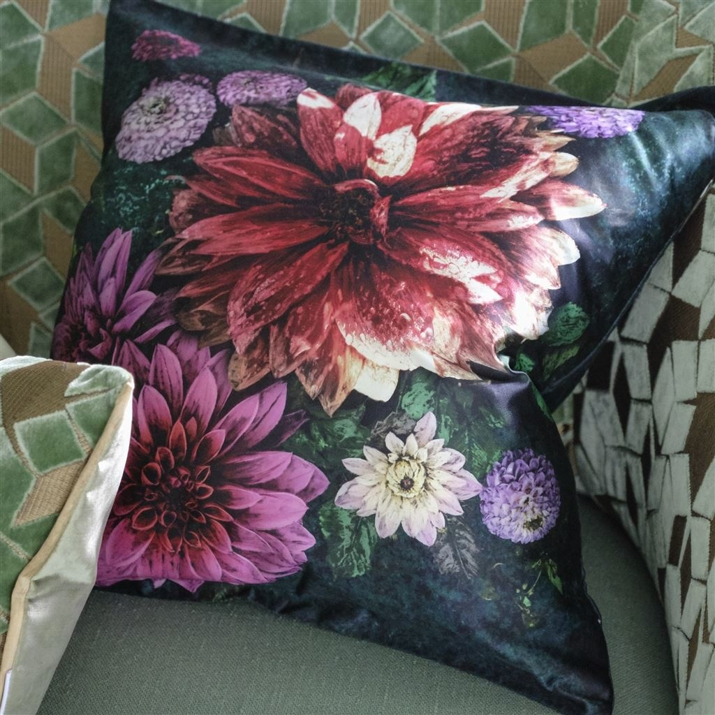 Designers Guild Kissen Dahlia Noir Fuchsia 50x50cm