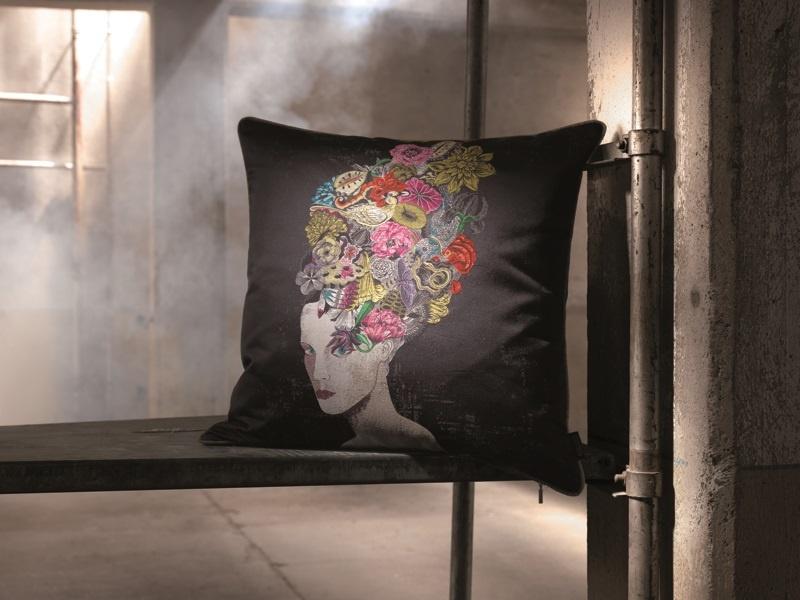 Rohleder Kissen Iris by Olaf Hajek 60x60cm