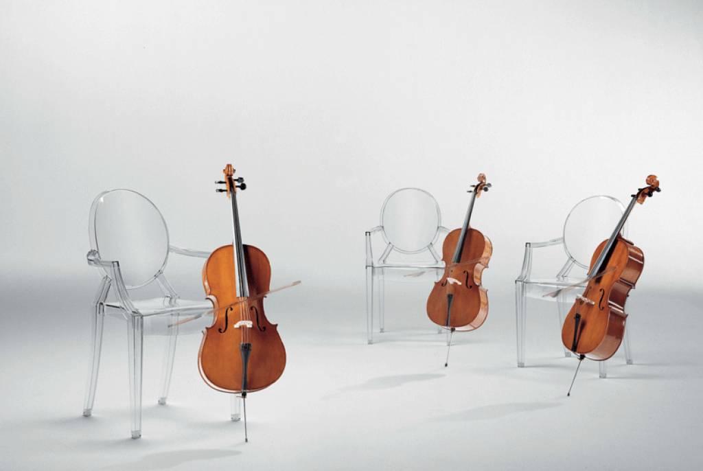 Kartell Louis Ghost by Philippe Starck, glasklar