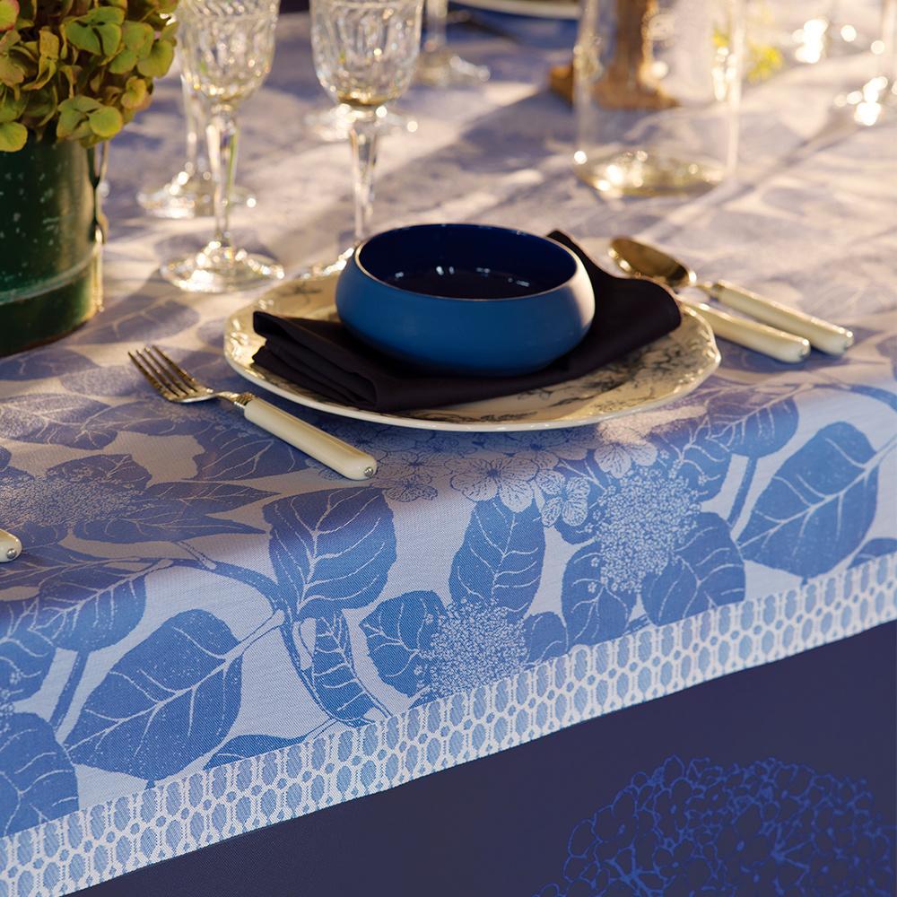 Garnier Thiebaut Tischdecke Hortensias bleu coton bio 175x255cm