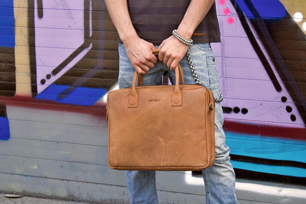 DSTRCT Robert cognac 15.6 inch laptoptas