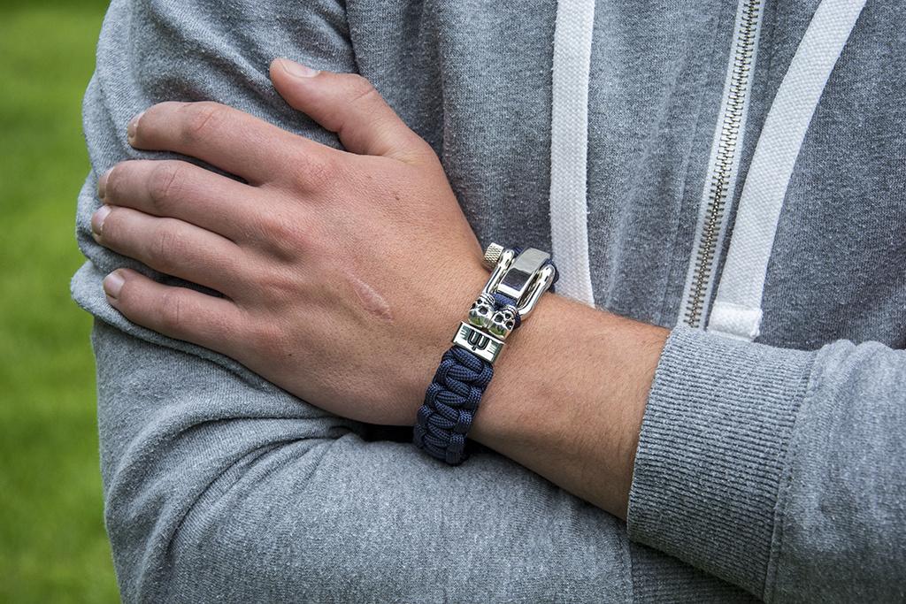 Musthef Classic navy-blue  skull koord armband