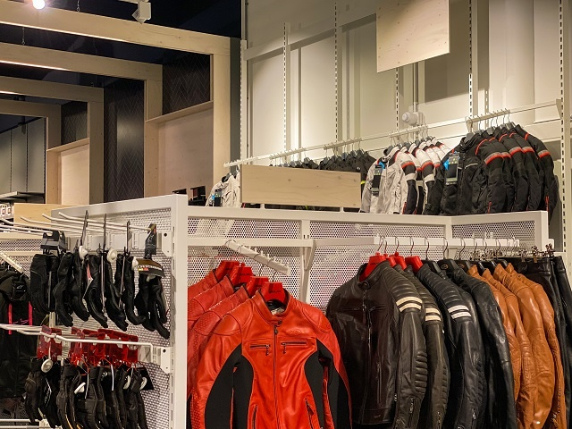 Nog een impressie van Motorkledingcenter Assen store afbeelding nummer 2