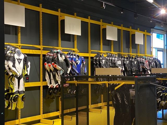 Nog een impressie van Motorkledingcenter Assen store afbeelding nummer 3