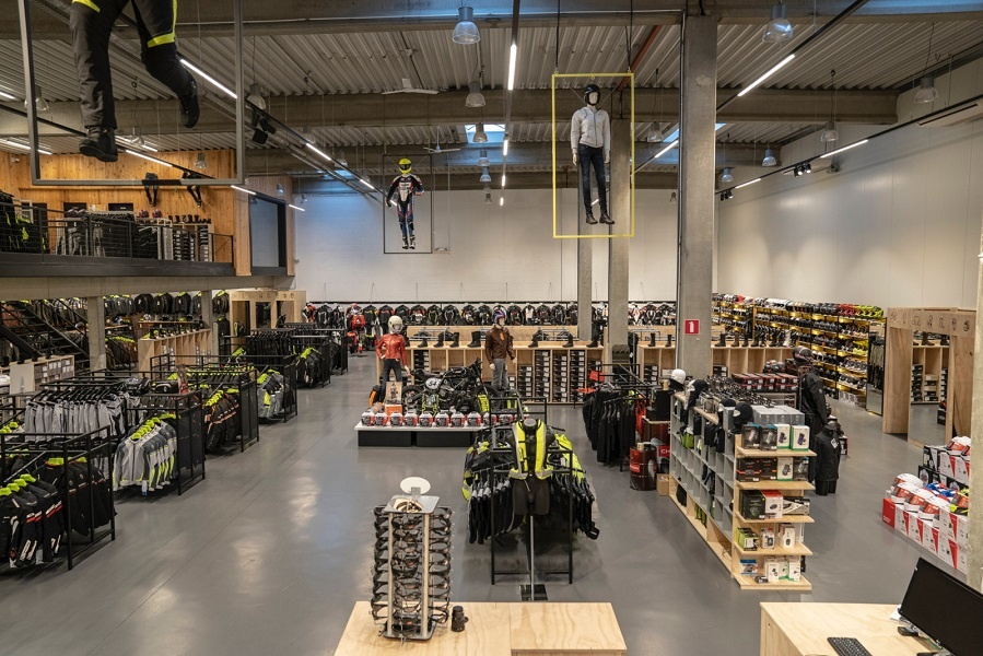 Nog een impressie van MKC Moto Antwerpen store afbeelding nummer 10
