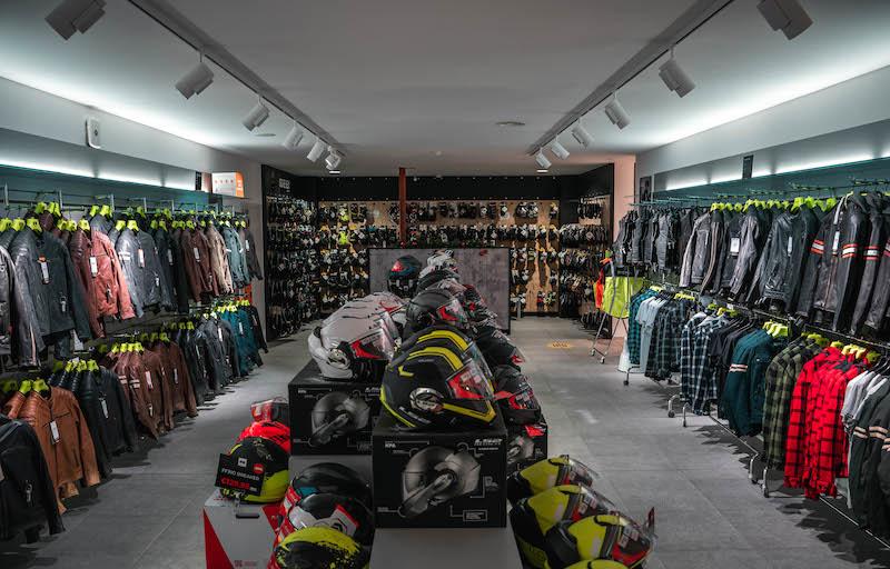 Another impression of Motorkledingcenter Oudenaarde store afbeelding nummer 5