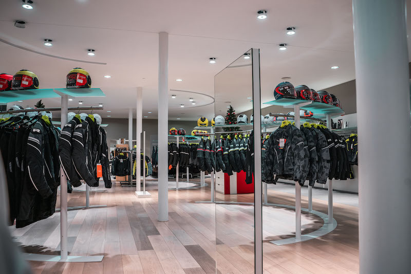 Another impression of Motorkledingcenter Oudenaarde store afbeelding nummer 2