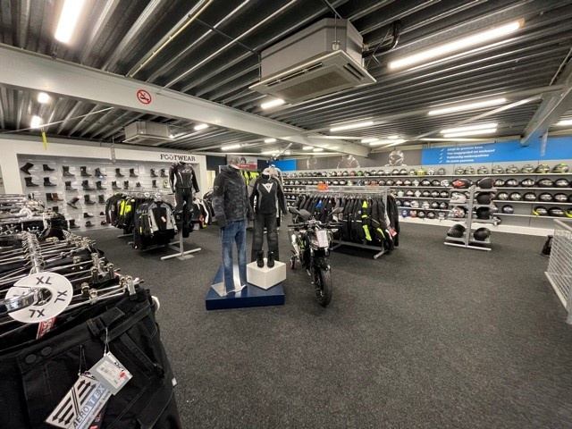 Nog een impressie van MKC Moto Rotterdam store afbeelding nummer 4