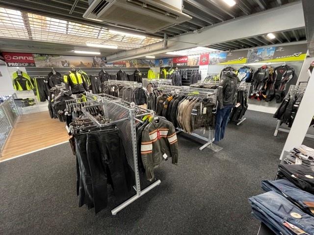 Nog een impressie van MKC Moto Rotterdam store afbeelding nummer 3