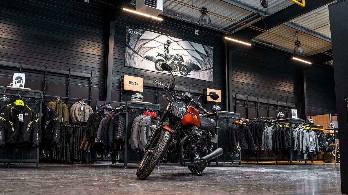 Nog een impressie van MKC Moto Lille store afbeelding nummer 2