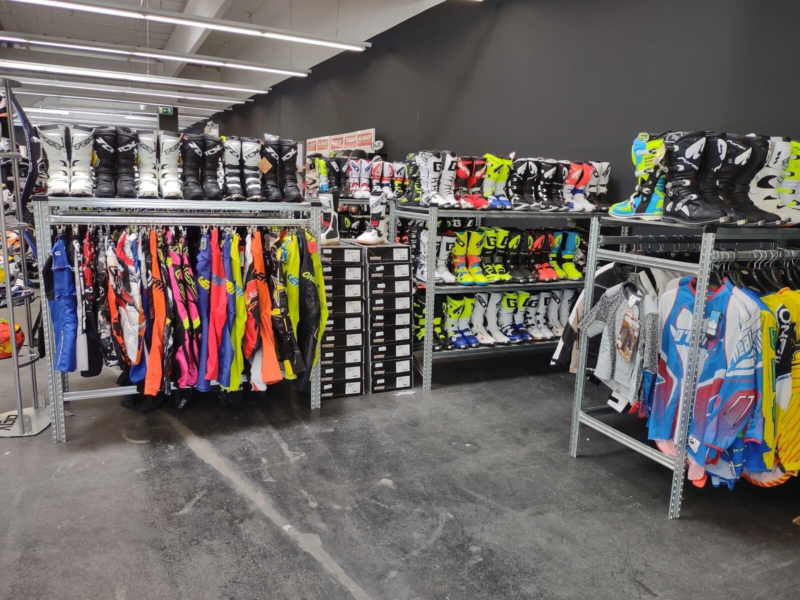 Nog een impressie van MKC Moto Graz store afbeelding nummer 4