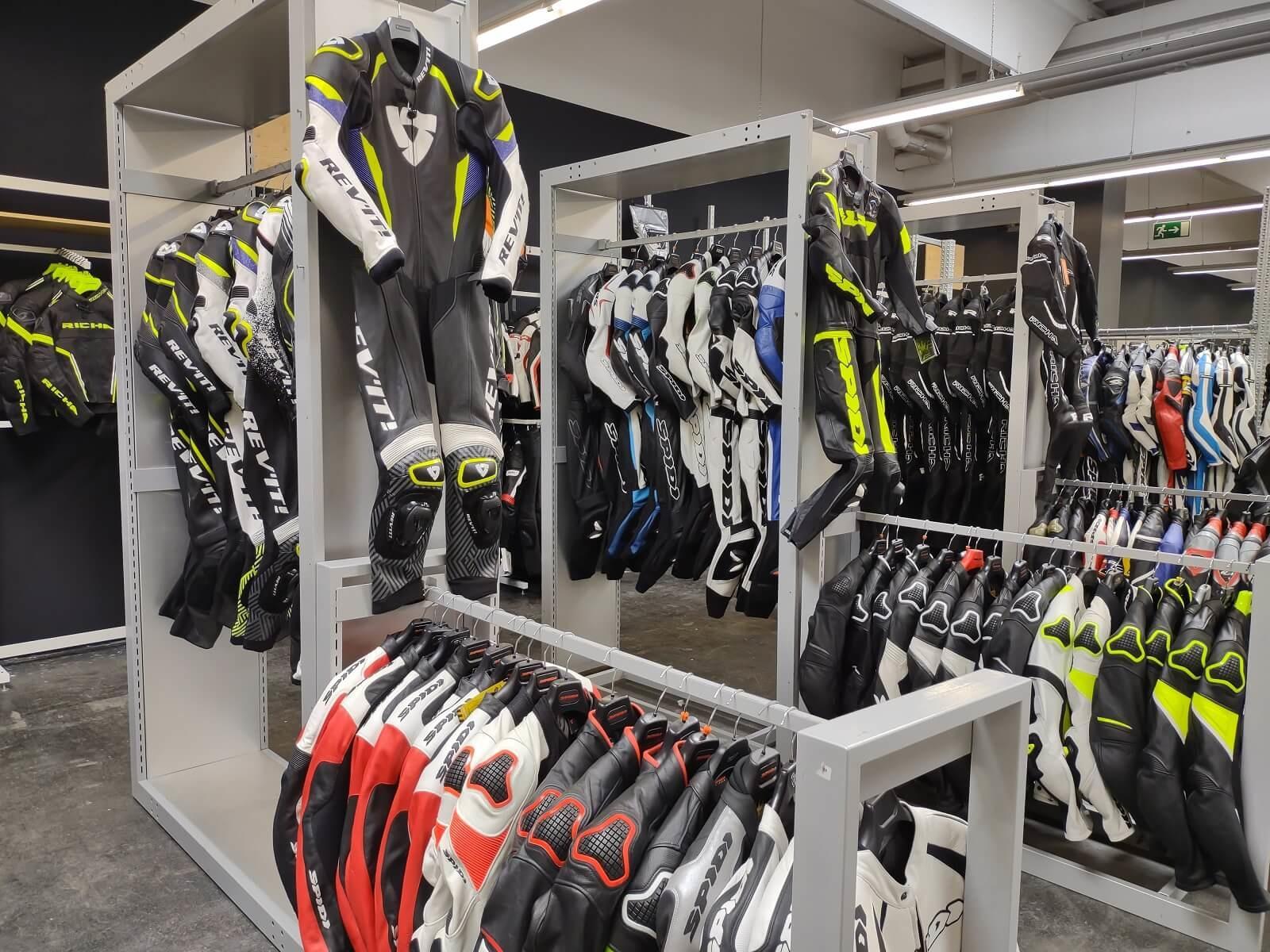Nog een impressie van MKC Moto Graz store afbeelding nummer 5