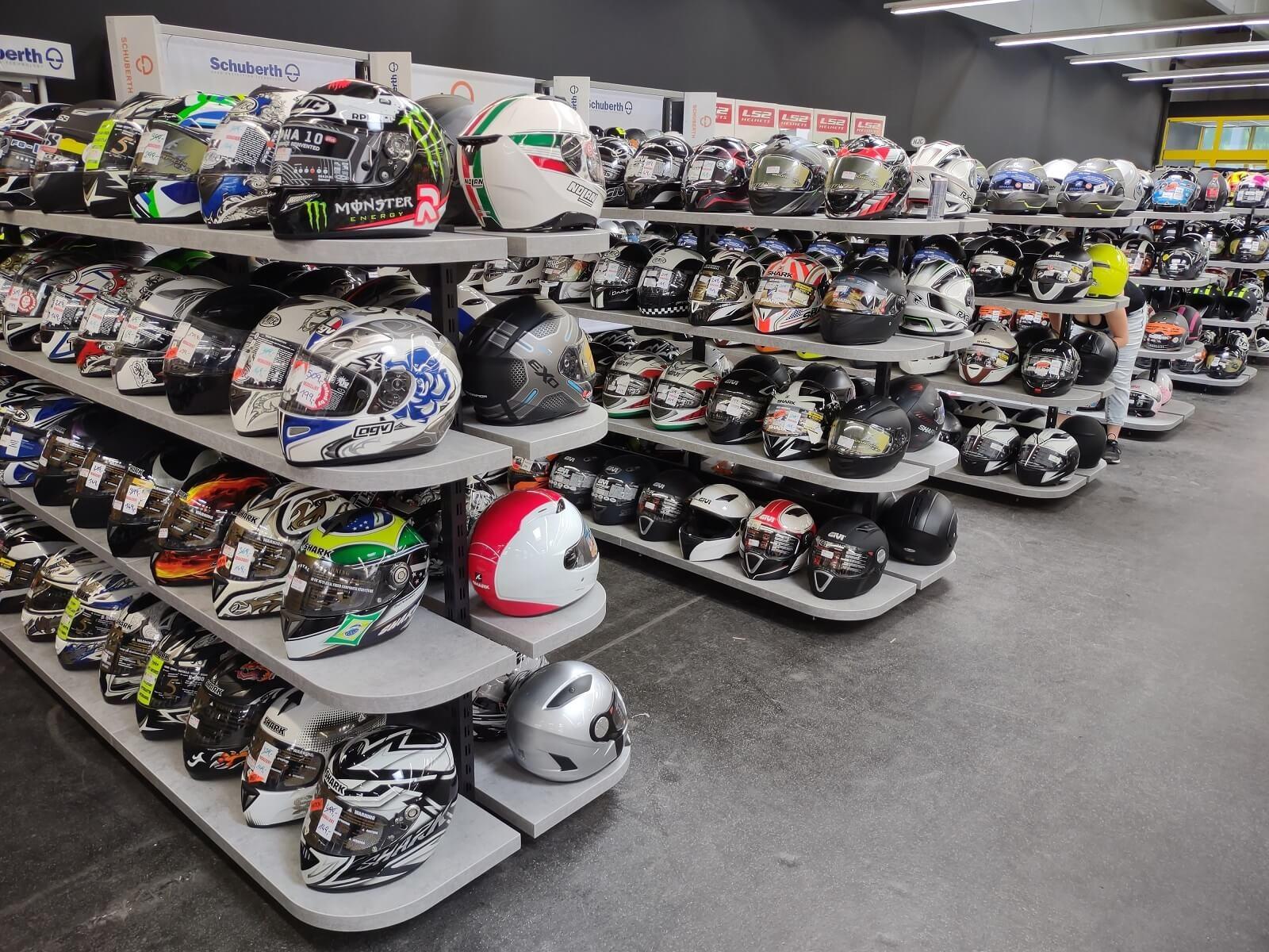 Nog een impressie van MKC Moto Graz store afbeelding nummer 7