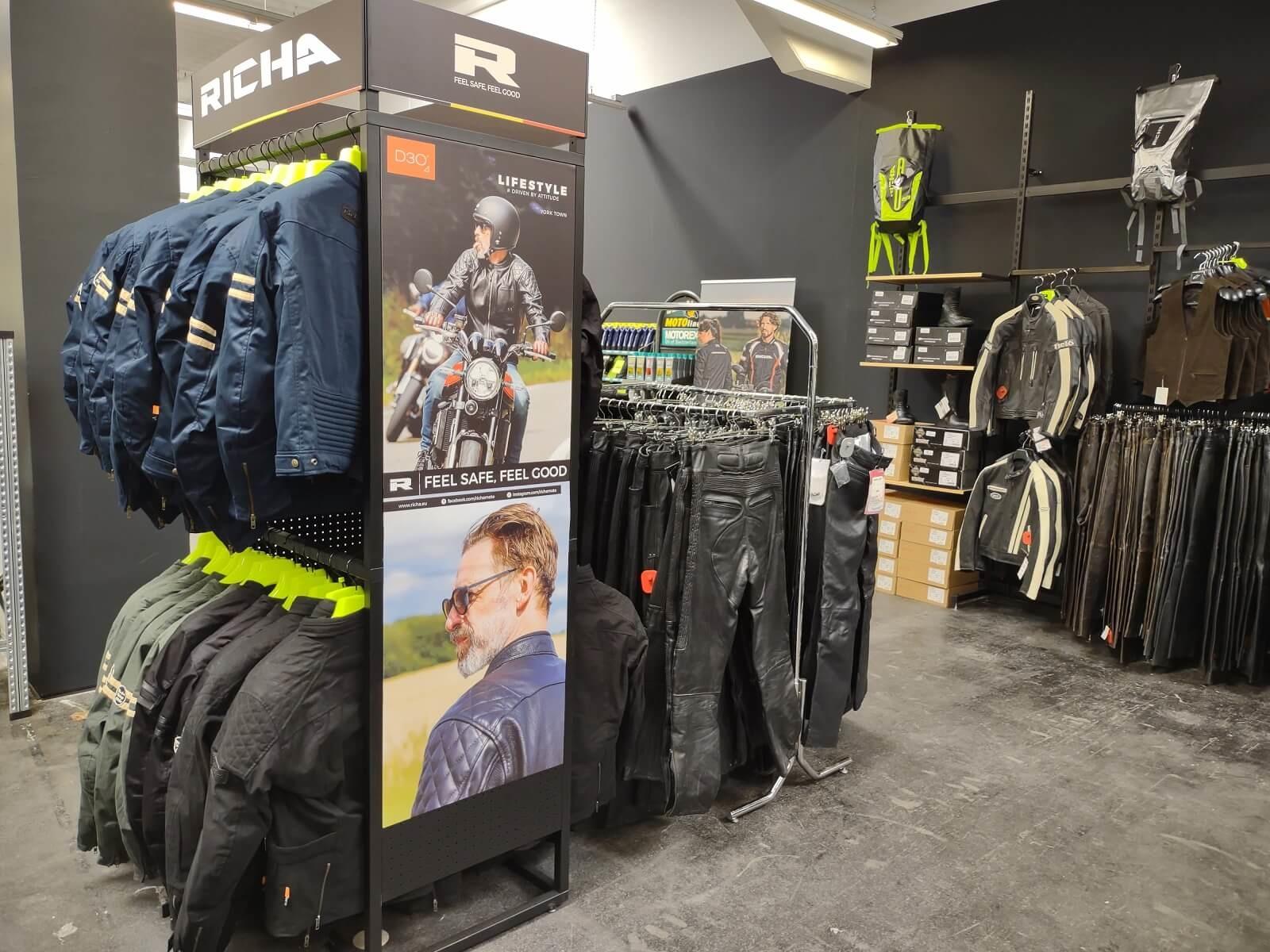Nog een impressie van MKC Moto Graz store afbeelding nummer 8