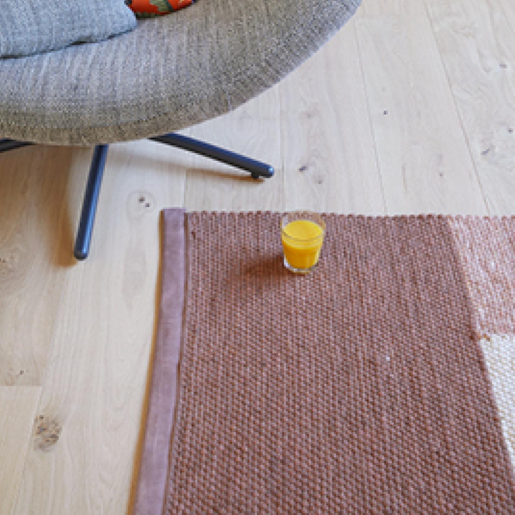 LABEL | Vandenberg Red Chain Carpet Copper