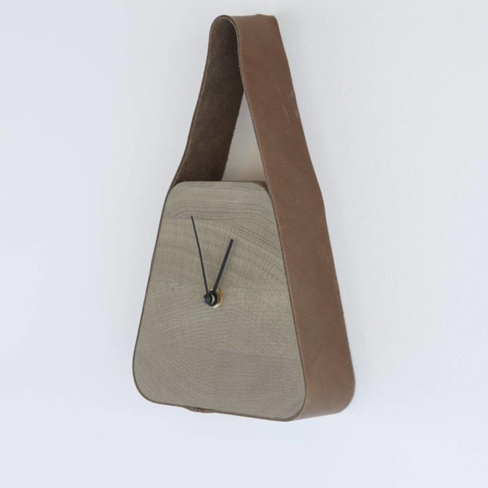 LABEL | Vandenberg Look clock (wide under) - Nova Zembla Bison & Palm Grey wood