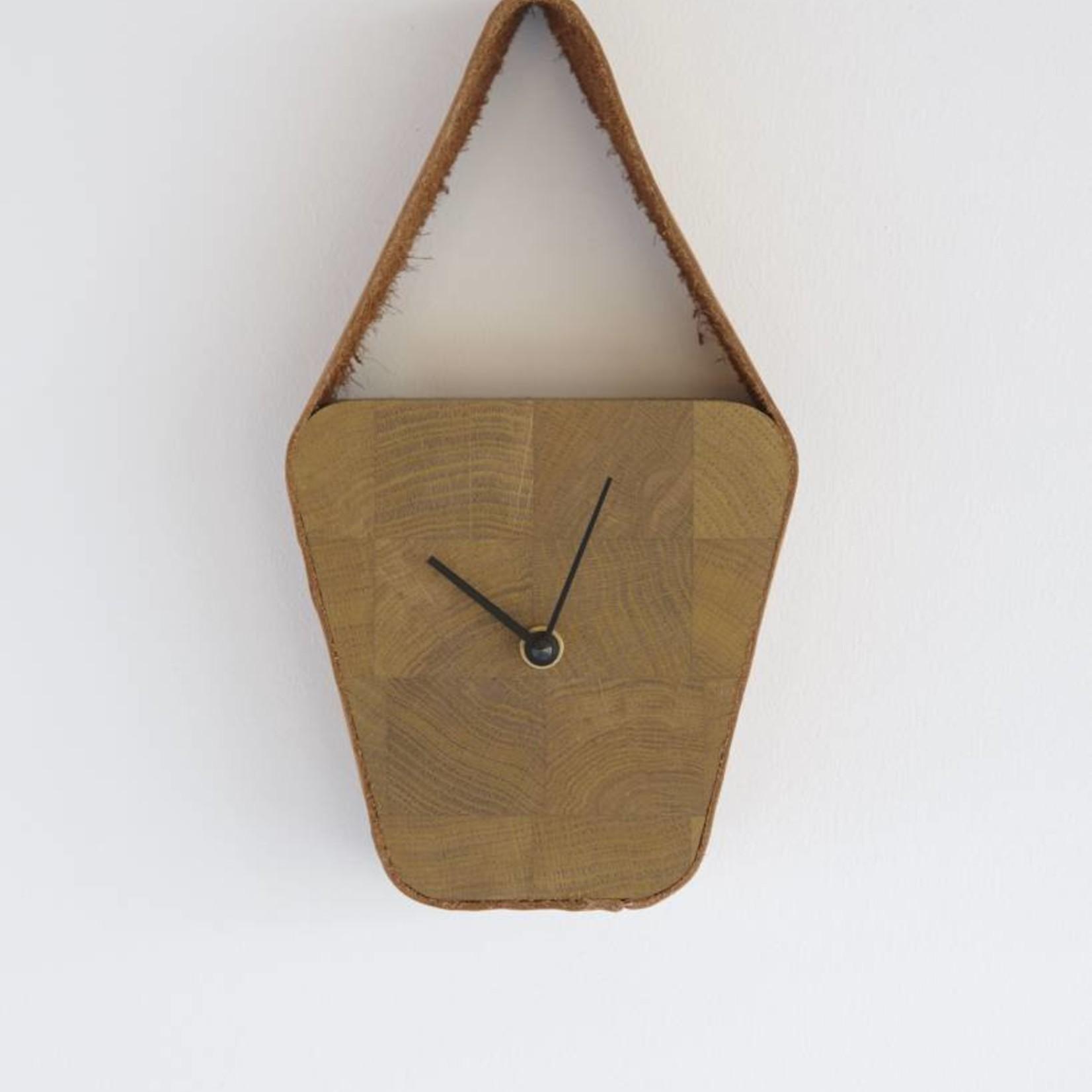 LABEL | Vandenberg Look clock (wide above)  - Nova Zembla Cognac & Naturel wood