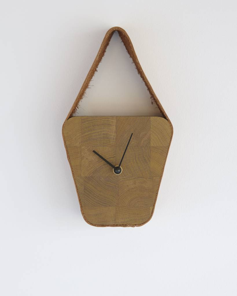 Look clock (wide above)  - Nova Zembla Cognac & Naturel wood