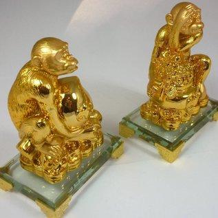 verheißungsvolles Affenpaar mit Wu Lou und Geldtopf, Goldbarren oder Pfirsich (8x5x11cm)