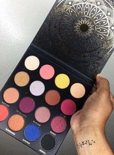 Ace Beaute Ace Beaute Quintessential Eyeshadow Palette