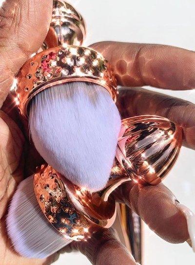 Eloise Beauty Kabuki Bullet 4D Brush
