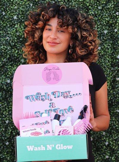Rizos Curls VIP Curl Love Is Self Love Box